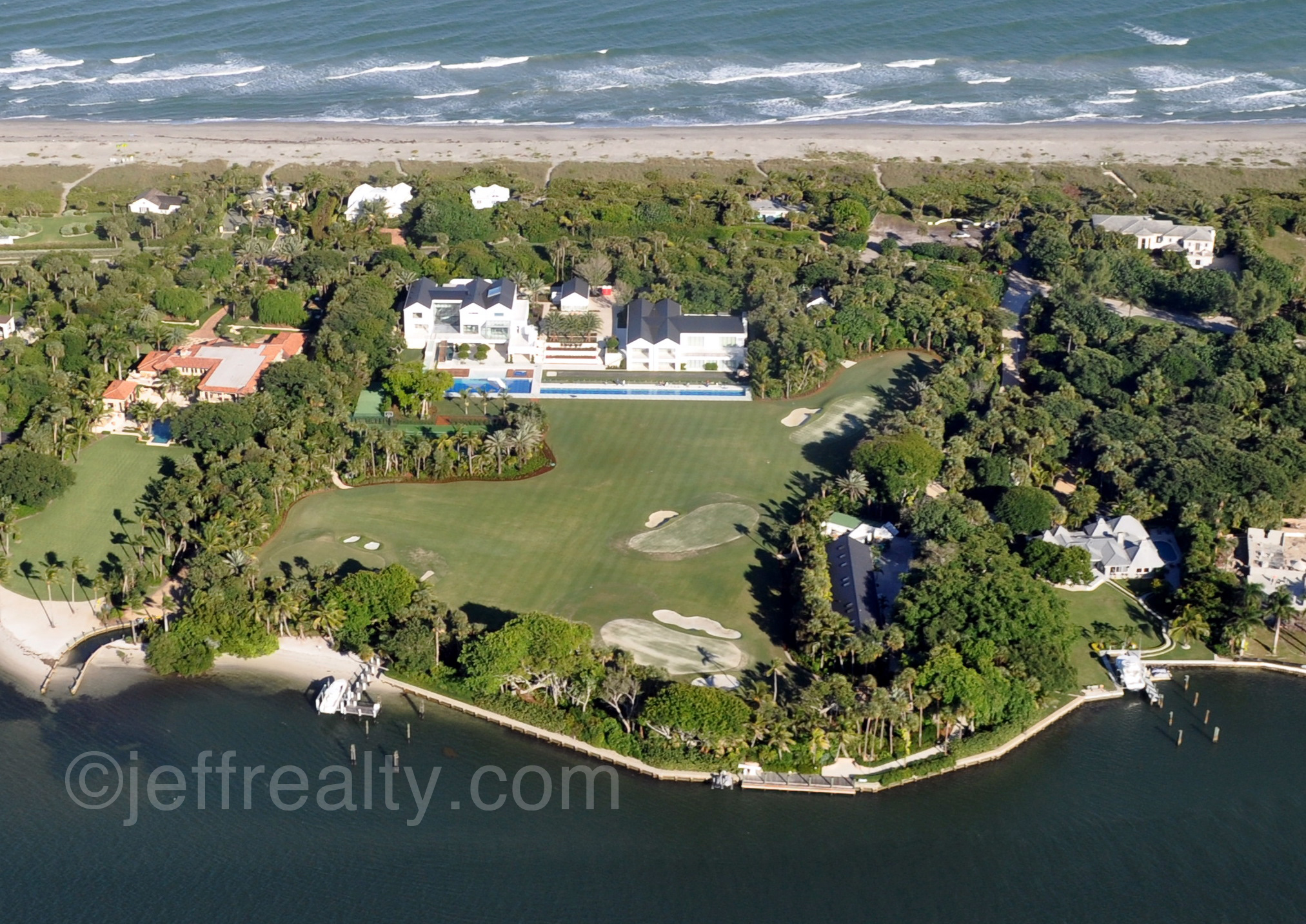 iger Woods estate home and practice golf course in Jupiter Island Florids