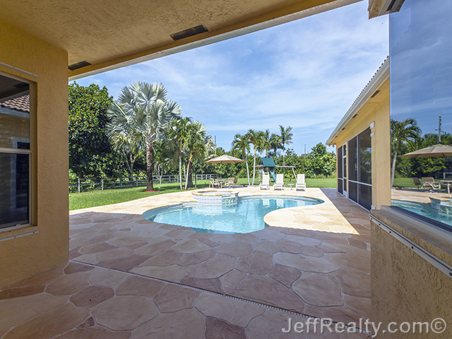 8369 Man O War Road - Swimming Pool & View