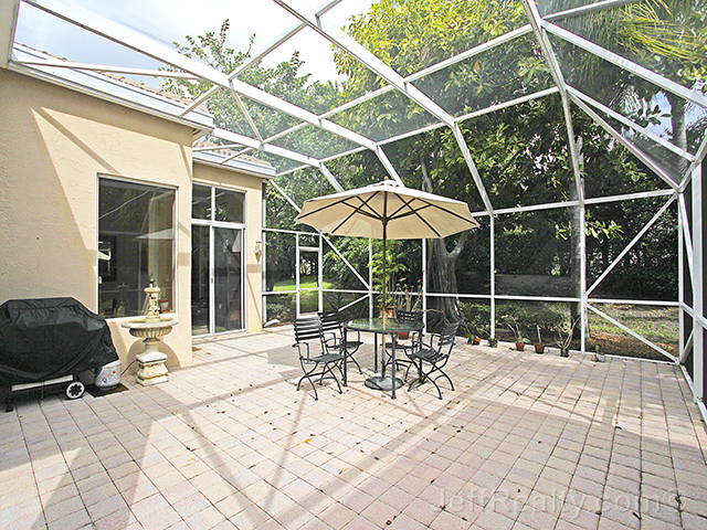 143 Sunset Bay Drive - Screened Patio