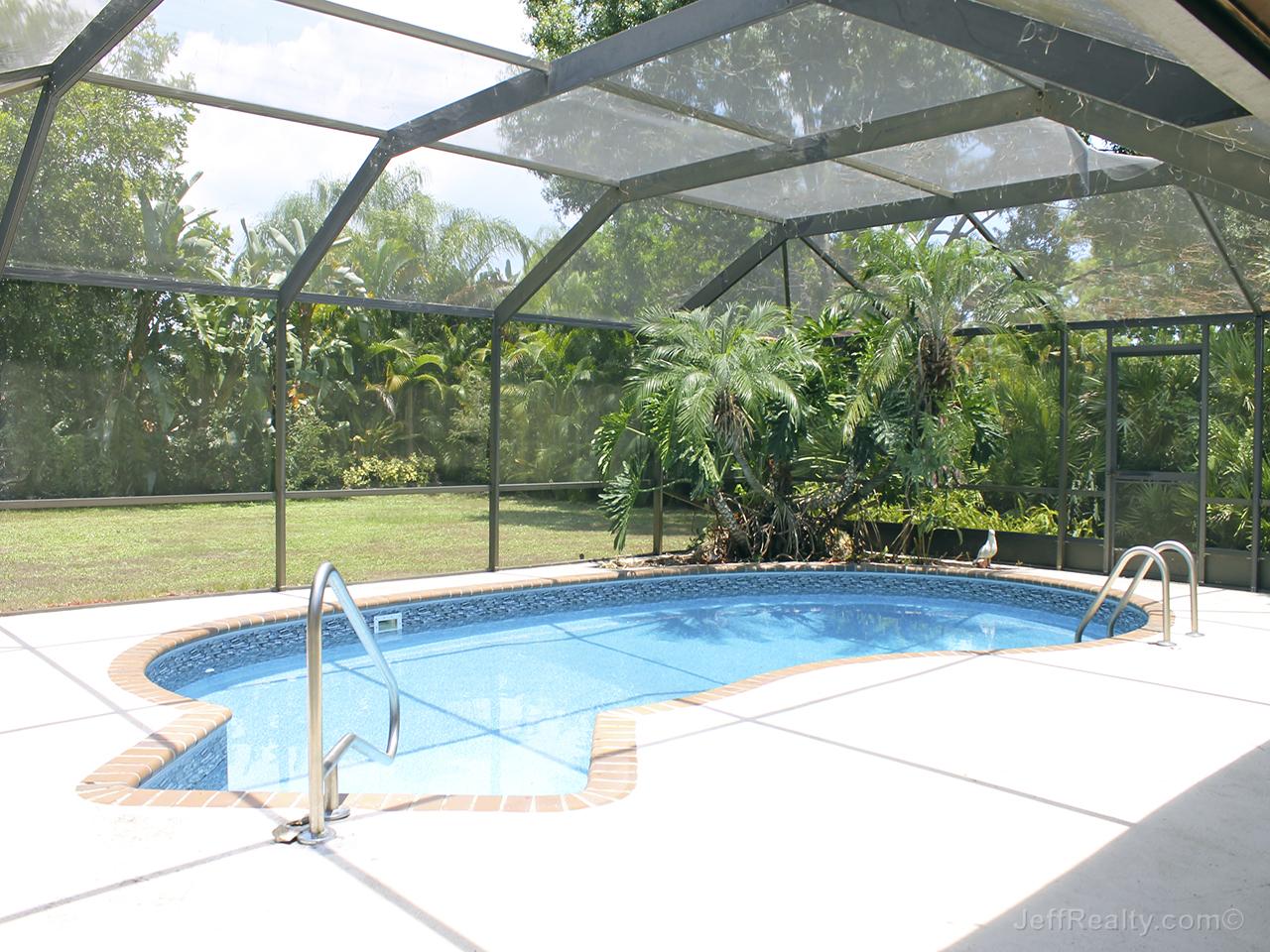 6321 Wood Lake Road - Screened Swimming Pool