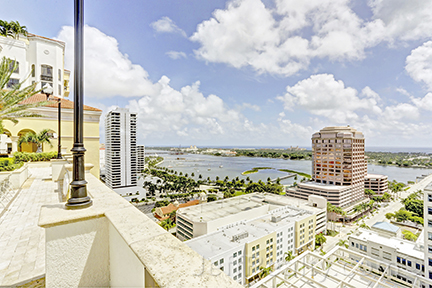 801 S Olive Avenue #204 - Rooftop View