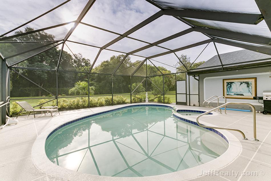 6156 Celedon Circle W - Screened Swimming Pool