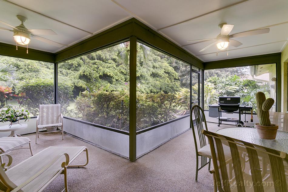 6175 Celedon Circle W - Screened Porch