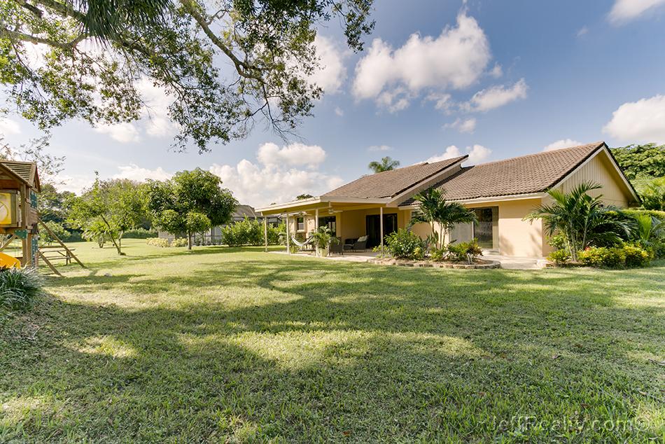 6148 Celadon Circle - Backyard