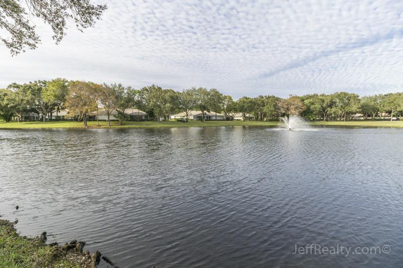 11903 Myrtle Oak Court - Sun Terrace The Oaks - Community Lake