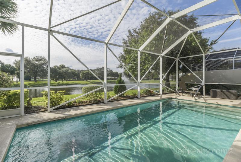 8489 Beaconhill Road - Screened Swimming Pool & View - Garden Oaks