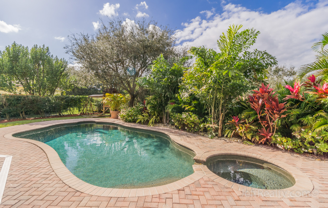 374 Magnolia Drive - Swimming Pool & View - Egret Landing