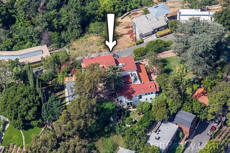 Shatner/Captain Kirk's Estate at 3674 Berry Drive in Studio City, California