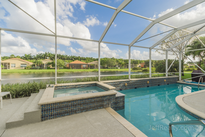9760 Via Grandezza W | Screened Swimming Pool & Spa | Buena Vida | Wellington