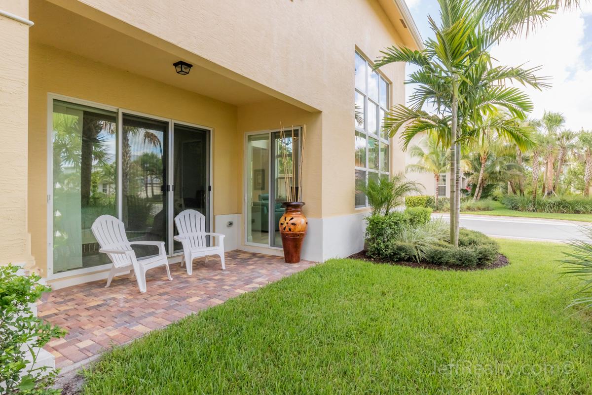 1061 Piccadilly Street | Patio | Hampton Cay | Palm Beach Gardens