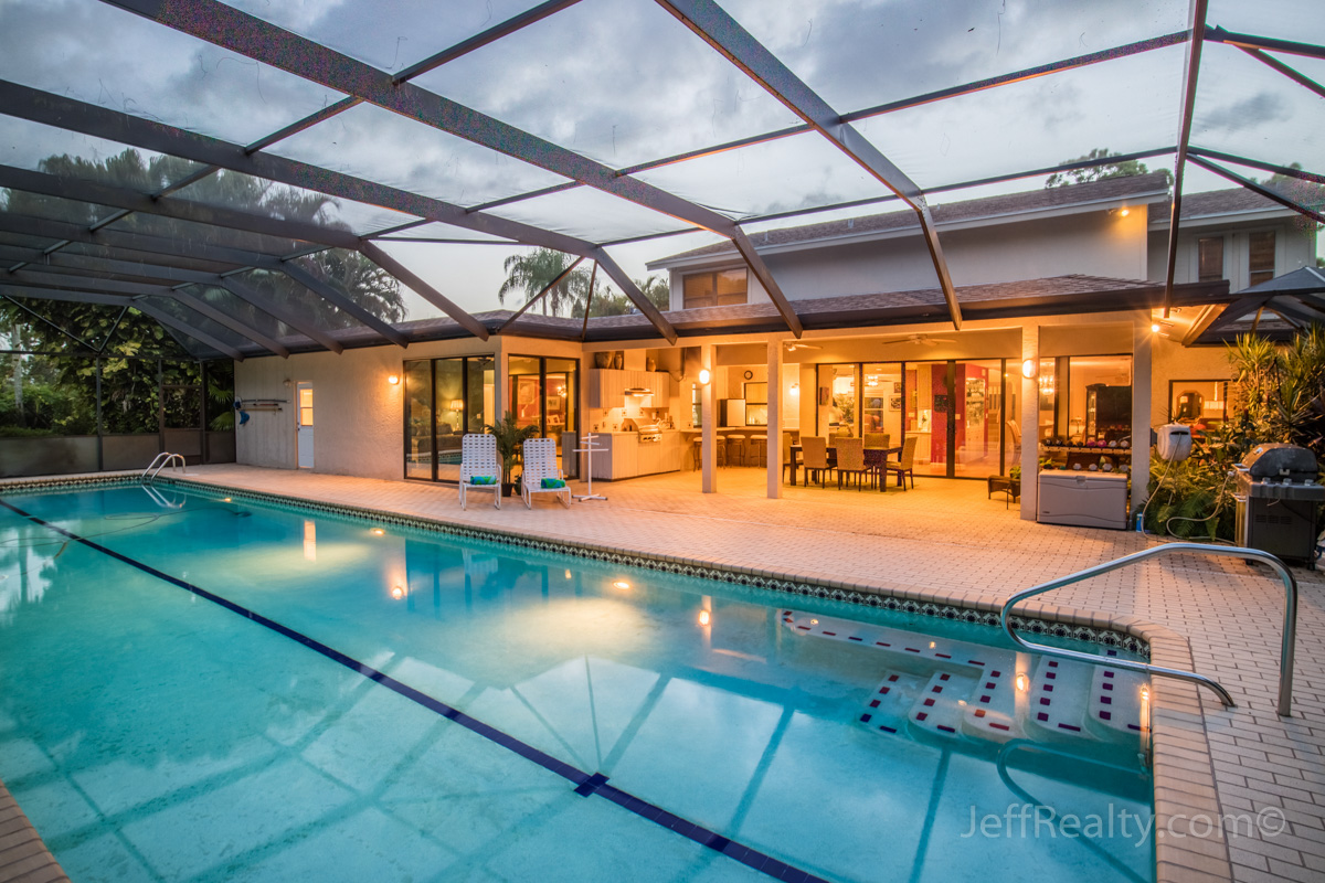 6486 Woodthrush Court | Screened Swimming Pool | Eastpointe Country Club | Palm Beach Gardens