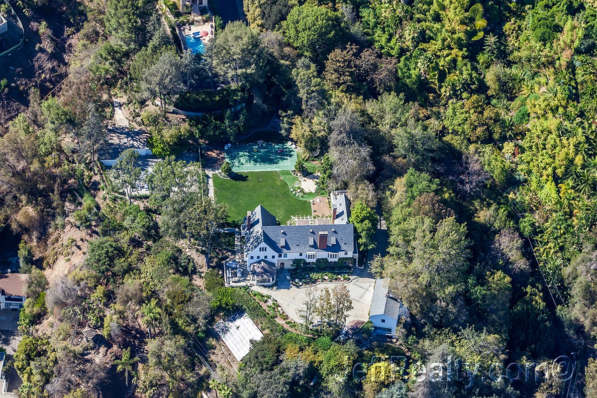 Sandra Bullock's Wooded Estate