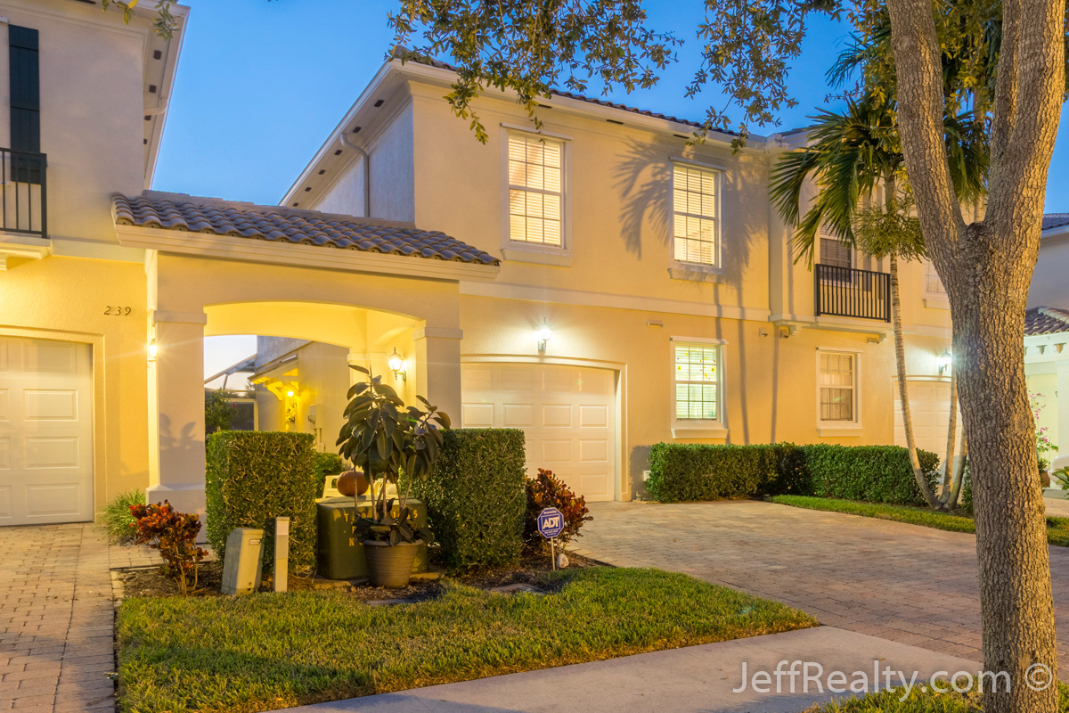 241 Fortuna Drive | Catalina Lakes | Palm Beach Gardens