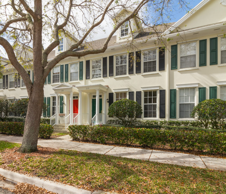 New Listing | 233 Murray Court | Totally Charming in Charleston Court