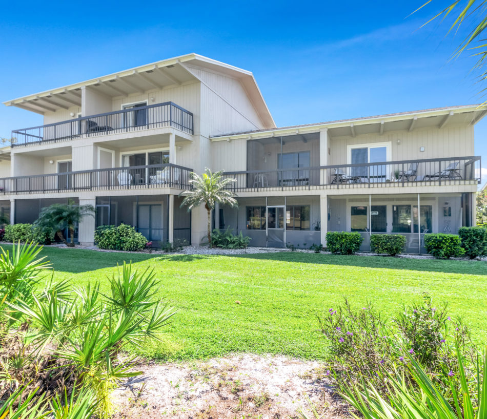 New Listing   9239 SE Riverfront Terrace B   Ravishing Riverbend Townhome